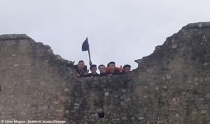 Coucou du Martin-Pêcheur du haut des murailles de Provins